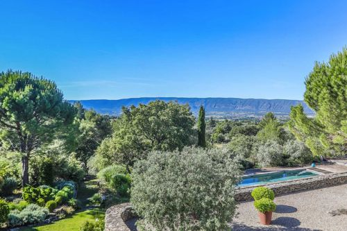Tourism: the magic of Luberon in Provence